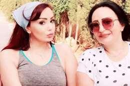 تولاي هارون وشقيقتها الراحلة