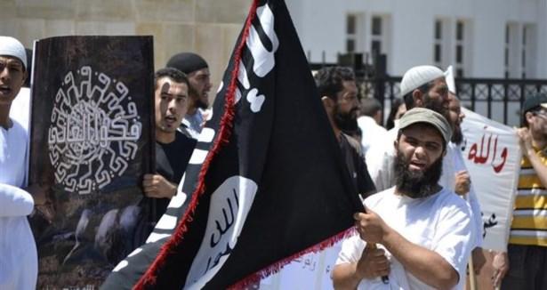 """""""انصار الشريعة"""" تنفي مقتل القيادي الجهادي بلمختار"""