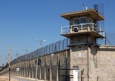 رحلة الموت البطيء داخل السجون المصرية