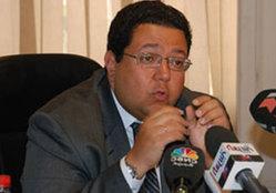 """زياد بهاء الدين: قانون الخدمة المدنية """"أزمة"""".. ولكن"""