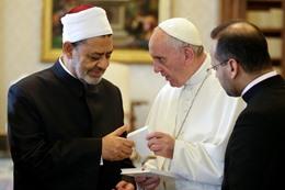 بابا الفاتيكان وشيخ الأزهر