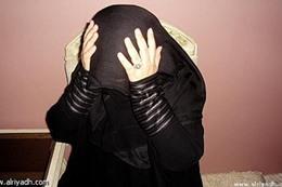تطلب الطلاق لعلاقته المحرمة مع والدتها