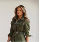 """زوجة ترامب تظهر بفستان """"عسكري"""""""
