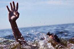 غرق طالب