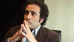 عمرو حمزاوى للنظام: اتسلى