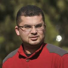 تامر أبو عرب يكتب : لذلك لم يرد الشباب على الرئيس