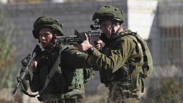 الاحتلال يطلق النار على فلسطينية شمالي القدس