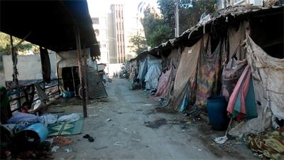 30 أسرة في المنيا يعيشون في الخلاء منذ 15 عامًا