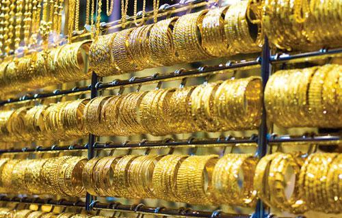 الذهب يستقبل عام 2014 بارتفاع طفيف