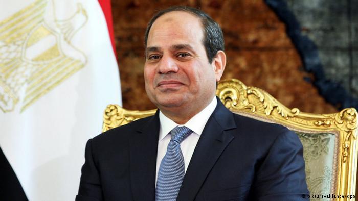 السيسى يمنح وزير دفاع فرنسا وسام الجمهورية