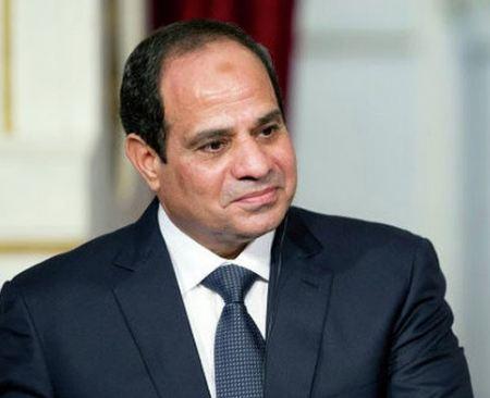 """خبيرة مصرية لـ""""السيسى"""": بطل تعاير الشعب"""