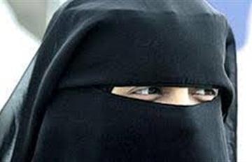 رأيتها مرتدية النقاب لتستر جريمتها !