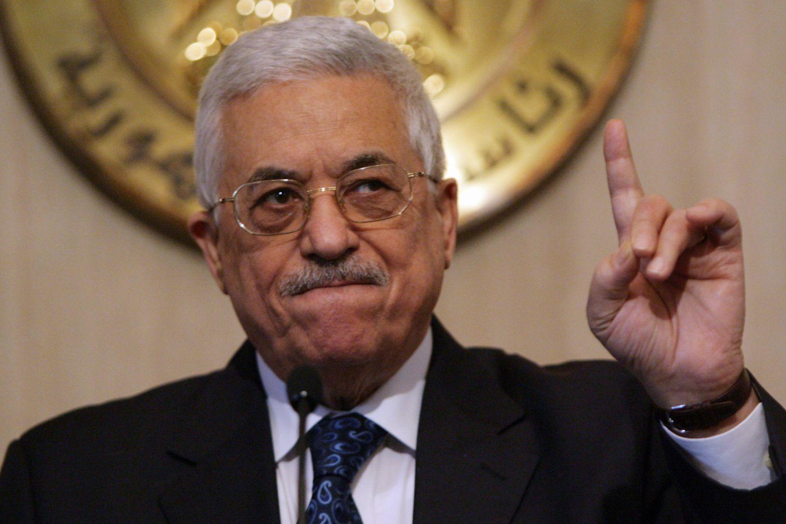 محمود عباس: أنا ضد الربيع العربي