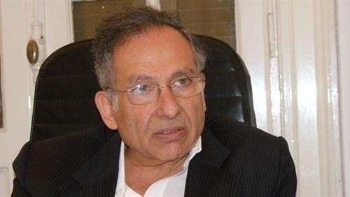 ممدوح حمزة: الرئيس ملزم أن يتكلم للمصريين