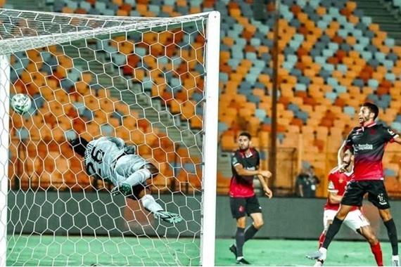 صورة الأهلي إلى نهائي دوري أبطال إفريقيا بثلاثية تاريخية
