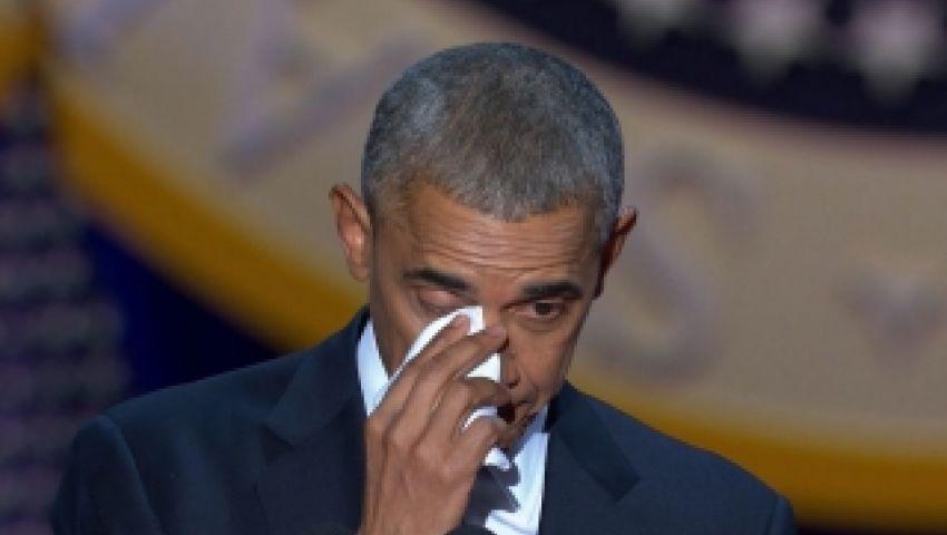 بالفيديو.. أوباما يبكي على ذكر زوجته في خطابه الأخير