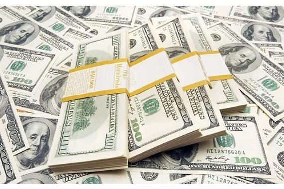 صورة تفاوت في أسعار الدولار بين التراجع والاستقرار اليوم
