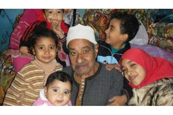 صورة حالة من الحزن بعد وفاة أقدم محفظ قرآن بالمنوفية