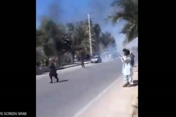 صورة بالفيديو.. إيران تشتعل ومحتجون يسيطرون على مخفر شرطة