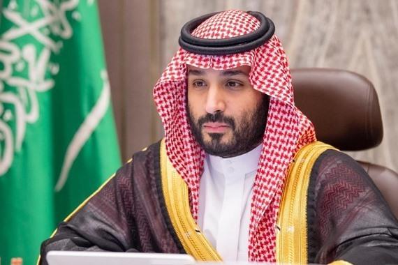 صورة نقل الأمير محمد بن سلمان إلى المستشفى وخضوعه لعملية عاجلة
