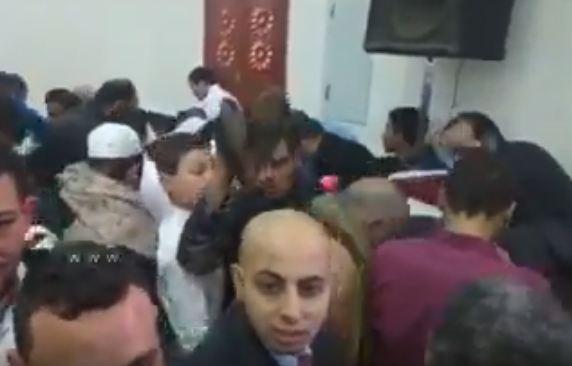 """بالفيديو.. سرقة أحذية النواب أثناء خطبة """"مصر بلد الأمان"""""""