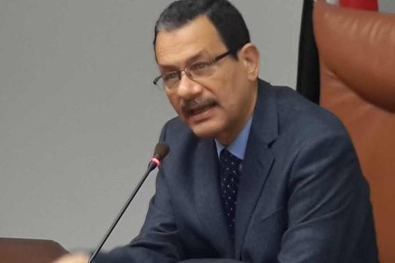 الدكتور أحمد درويش