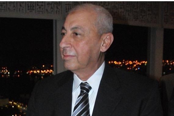 مجدي حجازي محافظ أسوان