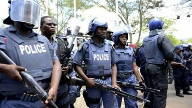 رواندا تقيل 200 ضابط شرطة بعد إدانتهم بالفساد