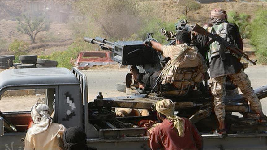 """قوات """"هادي"""" تقترب من السيطرة على """"باب المندب"""""""