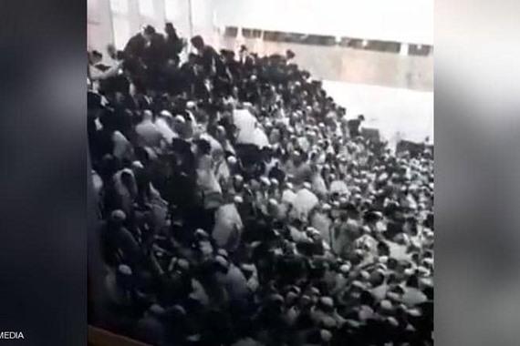 صورة شاهد.. عشرات الإصابات في انهيار كنيس يهودي بالقدس المحتلة