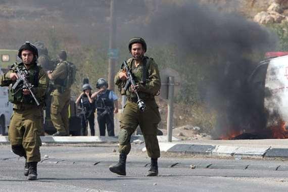 الاحتلال يقيل أحد جنوده لعدم قتل فتاة فلسطينية