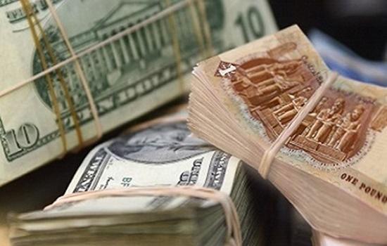 مجلس الوزراء يفسر أسباب انخفاض الدولار