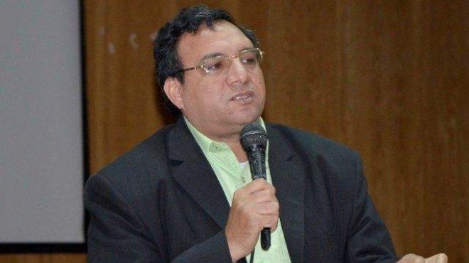 عمار علي حسن يوجه سؤالا صادما للرئيس؟