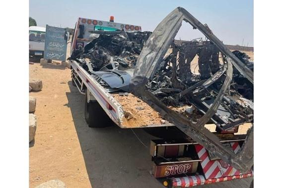صورة شاهد/ تعرض فنانة شهيرة لحادث مروع أثناء عودتها من الساحل وتفحم سيارتها