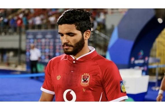 صورة صالح جمعة يضحك بعد إصابة شقيقه عبدالله جمعة بـ كورونا وغيابه عن القمة