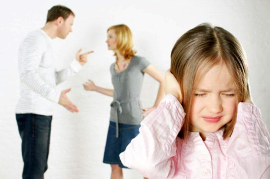 بمن تضحى من في وضعها الأبناء أم الزوج؟!