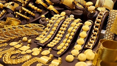 تراجع أسعار الذهب 15 جنيها في تعاملات المساء
