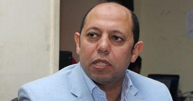 احمد سليمان يقطع اجازته السنوية للتضامن مع رئيس الزمالك