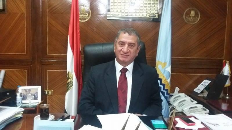 محافظ كفر الشيخ يعد بحل مشكلة إسكان الشباب