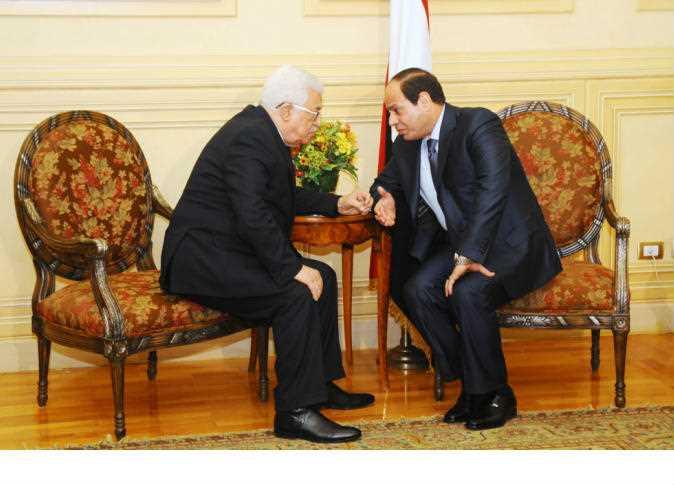 """""""أبو مازن"""" يبحث مع السيسى تطورات الانتهاكات الإسرائيلية"""
