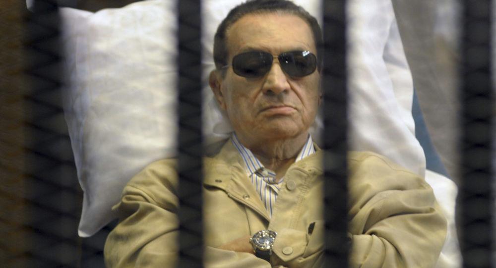 """حكم """"مبارك"""" ضربة لجيل الثورة"""