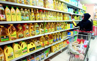 c56369ac9 قال مسئول مصري، إن حجم الارتفاع في أسعار السلع والمنتجات الغذائية للمستهلك،  سيصل إلى 60 % بسبب نقص الدولار، وارتفاع سعره في السوق السوداء.