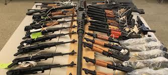الداخلية تنجح في ضبط 670 قطعة سلاح نارى
