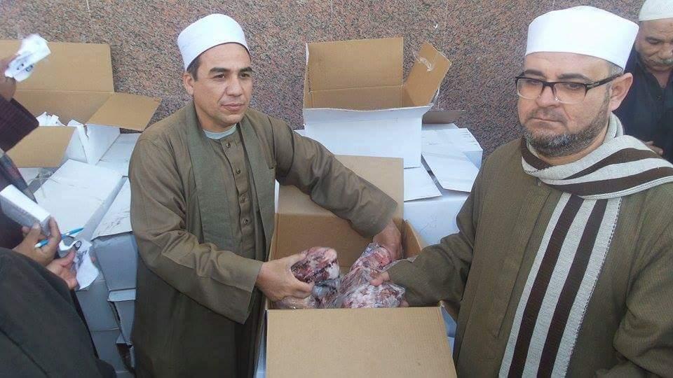 توزيع 2000 كيلو لحوم بلدي على الأسر الأكثر احتياجًا بالإسماعيلية
