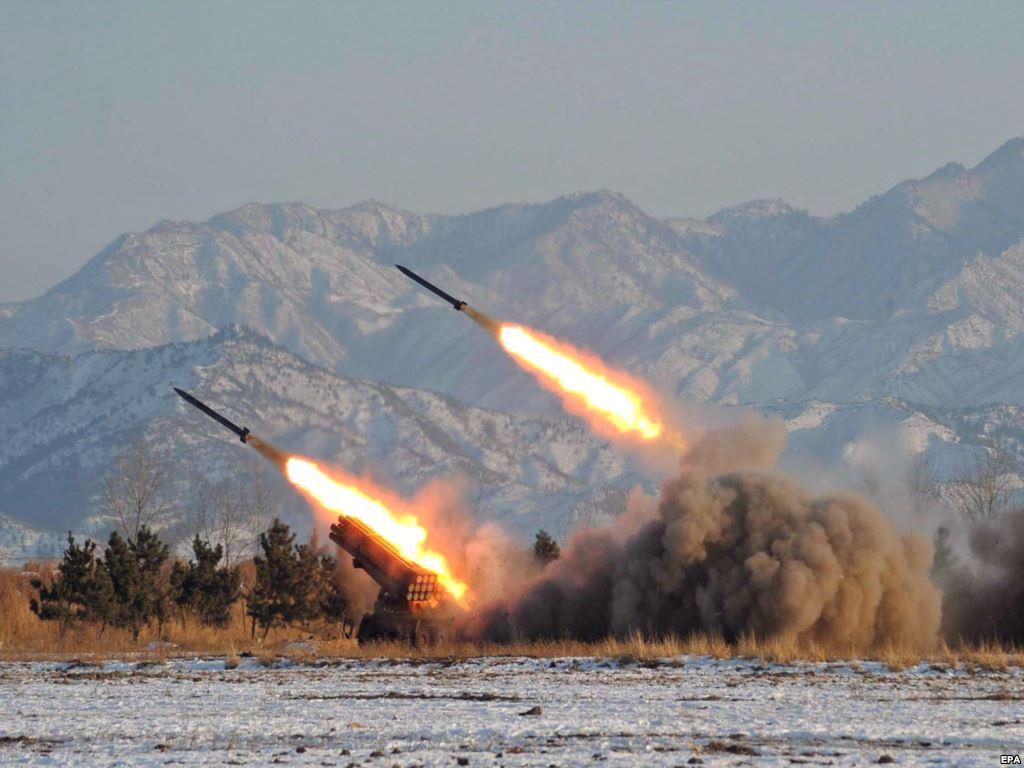 الهند تطلق صاروخين باليستيين